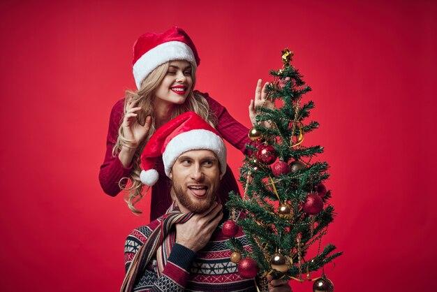 Romance divertido de feriado de ano novo de casal fofo