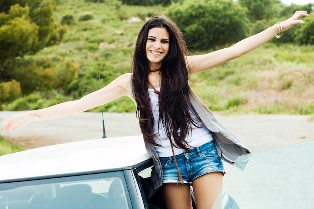 Ropa direccion coche cabelo latina