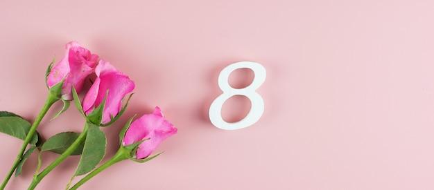 Rosa flor rosa e 8º número com espaço de cópia de texto. conceito de dia internacional do amor, igualdade e mulheres