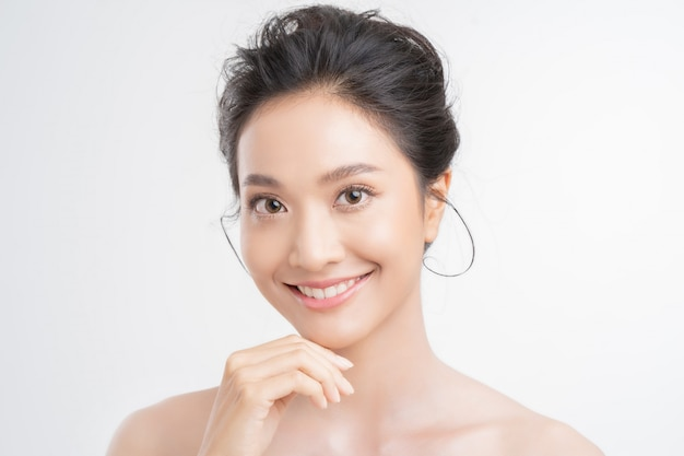 Rosto asiático de mulher bonita