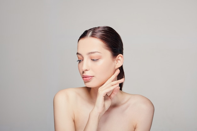 Rosto de beleza retrato de mulher bonita modelo spa