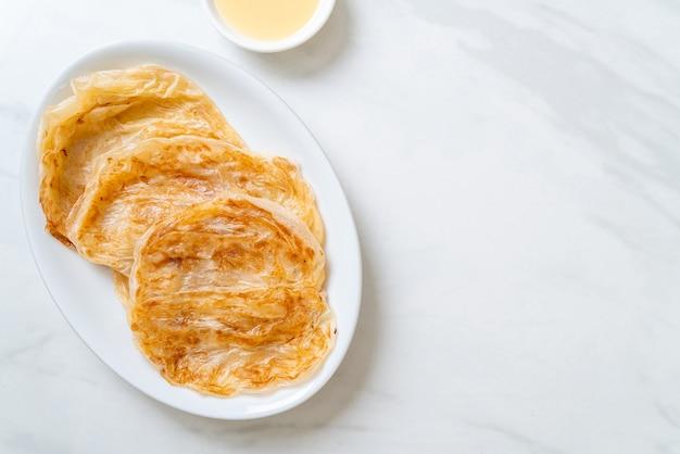 Roti com leite condensado (sobremesa)
