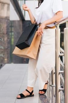 Roupa de mulher na moda close-up