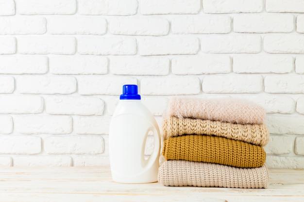 Roupa pura com detergente