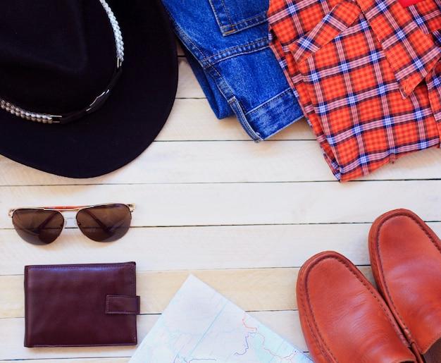 Roupas casuais masculinas com roupas masculinas, preparações para viagens e acessórios