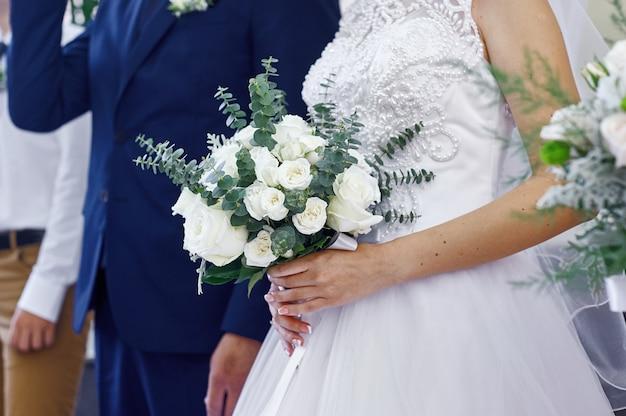 Roupas de marido e mulher em um casamento