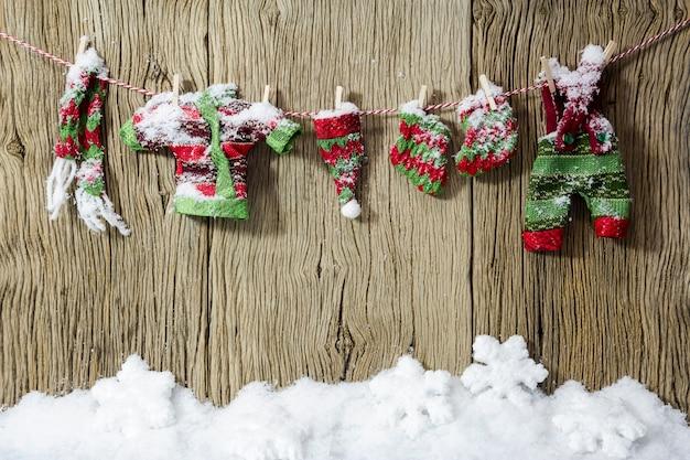 Roupas de secagem de decoração de natal