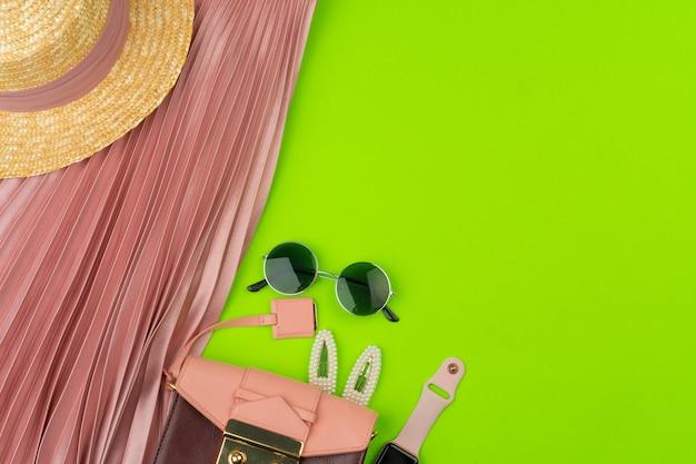 Roupas e acessórios de moda mulher close-up