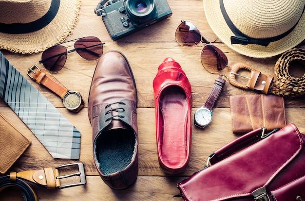 Roupas e acessórios para homens e mulheres prontos para viajar - estilo de vida