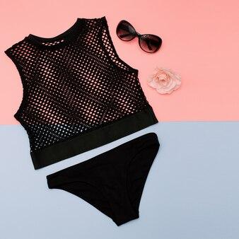 Roupas elegantes. top de malha e calcinha preta. roupa de verão