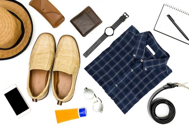 Roupas masculinas com sapatos marrons