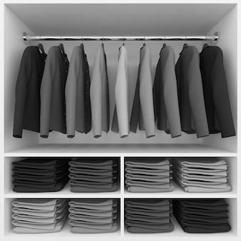 Roupas penduradas e pilha de roupas no guarda-roupa