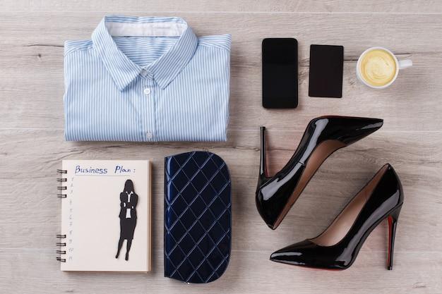 Roupas, sapatos e acessórios para mulher