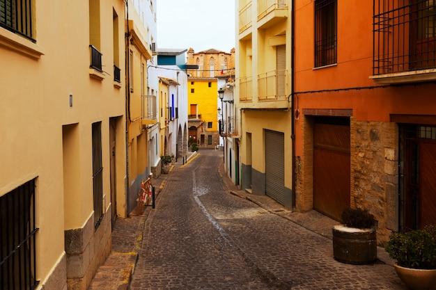 Rua estreita de sagunto, comunidade valenciana