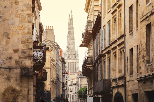 Rua vista da cidade velha na cidade de bordeaux, frança europa