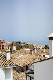 Ruas acolhedoras de uma pequena cidade no sul da espanha