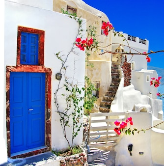 Ruas da ilha de santorini. viagem e pontos turísticos da grécia