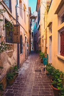 Ruas pitorescas da cidade de chania venetian chania creete greece