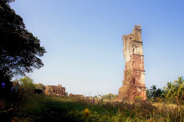 Ruína de igreja em goa, na índia