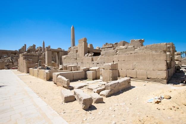 Ruínas antigas do templo de karnak no egito
