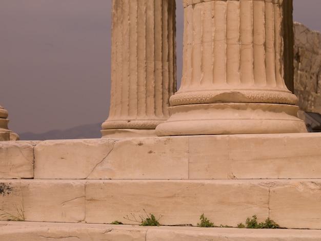 Ruínas antigas em atenas, grécia