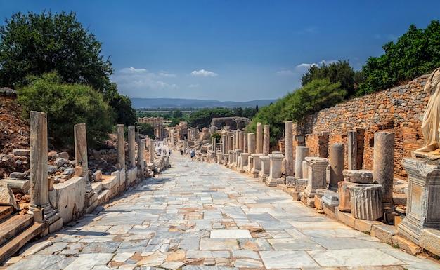 Ruínas antigas em éfeso, turquia - fundo de arqueologia