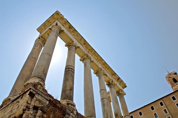 Ruínas antigas, o fórum em roma, itália