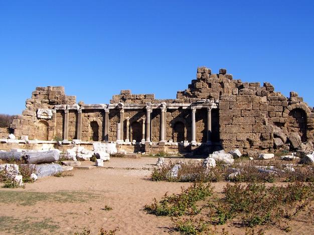 Ruínas da antiga cidade de side