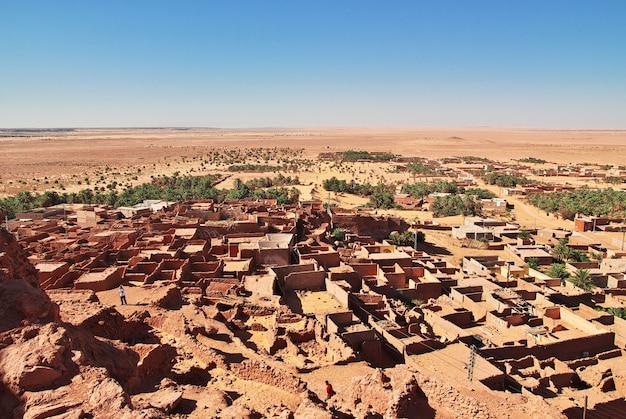 Ruínas da cidade abandonada timimun no deserto do saara, argélia