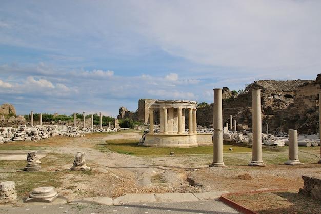 Ruínas da cidade antiga em side