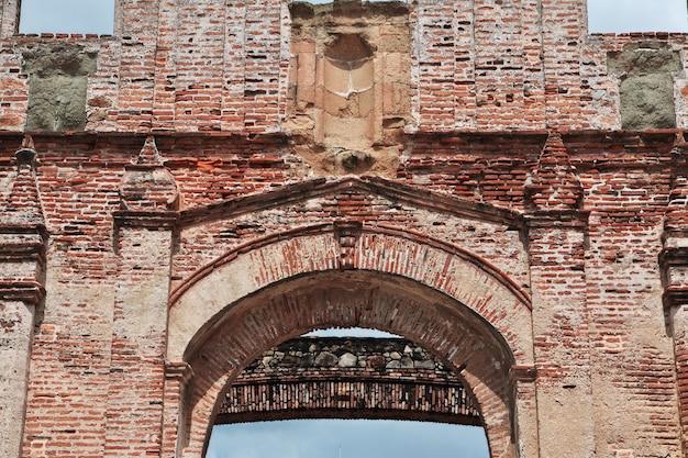 Ruínas da igreja em casco viejo, cidade do panamá, américa central