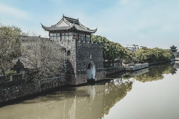 Ruínas de construção antiga da muralha da cidade de suzhou