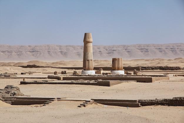 Ruínas do palácio em amarna, egito