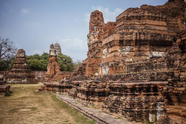 Ruínas do templo de ayutthaya