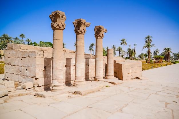 Ruínas do templo de dendera. egito