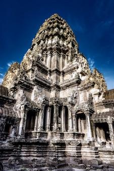 Ruínas do templo histórico de angkor wat em siem reap, camboja