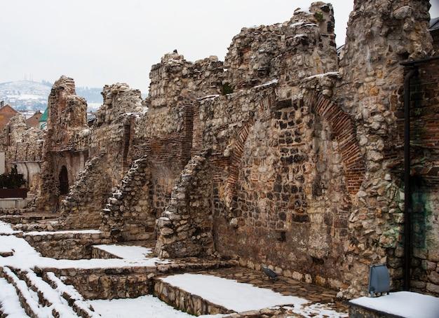 Ruínas históricas de taslihan, sarajevo