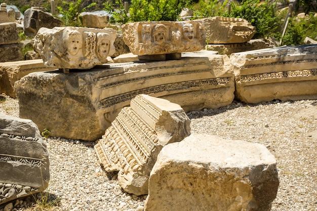 Ruínas lycian antigas de myra em turquia demre