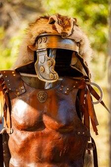 Rússia. vyborg. 20/08/2020 traje romano medieval. festival dos cavaleiros de verão