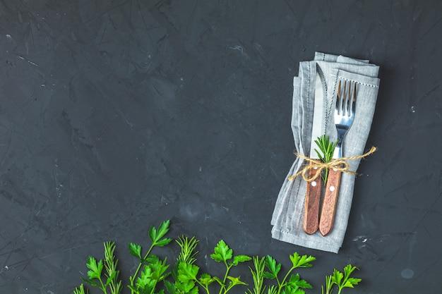 Rústico conjunto vintage de faca de talheres, garfo
