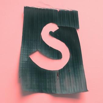 S uma letra verde tropical folha alfabeto rosa