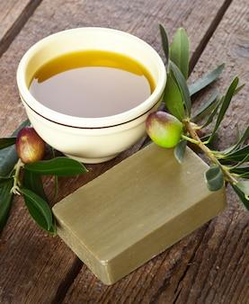 Sabão de alepo e azeitonas