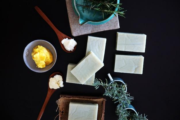 Sabonete artesanal de alecrim e lavanda orgânica soap bar
