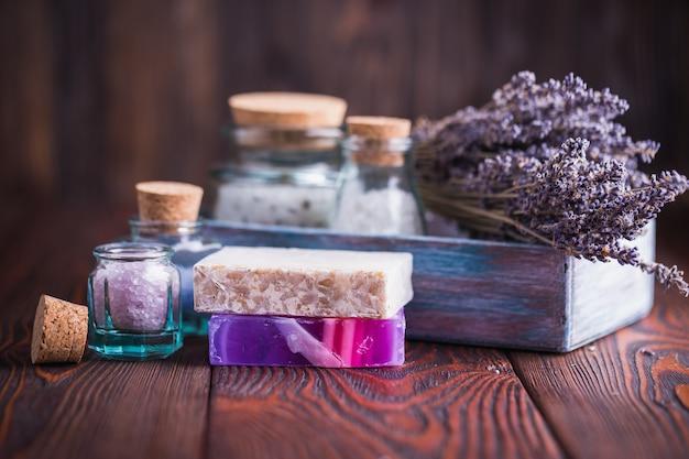 Sabonete de lavanda e sal marinho