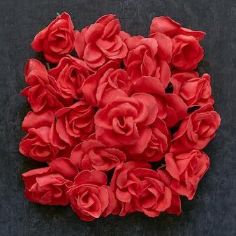 Sabonete em forma de flores rosas