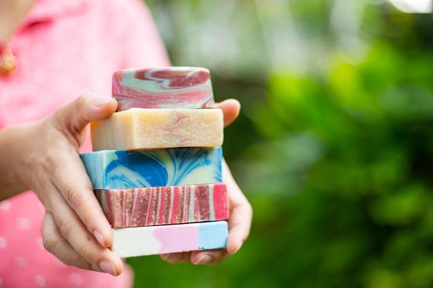 Sabonete natural para a sua saúde para o seu tratamento