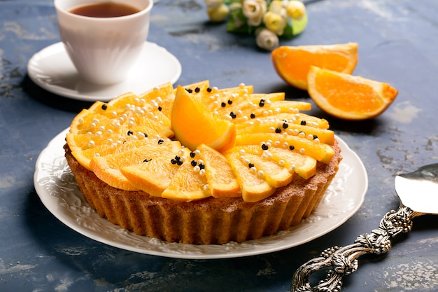 Saboroso bolo de laranja decorado