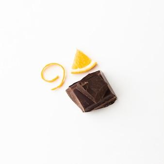Saboroso chocolate com laranja