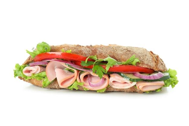 Saboroso sanduíche de ciabatta isolado no fundo branco
