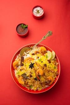 Saborosos e deliciosos camarões biryani, jheenga pulav ou pilaf de camarão